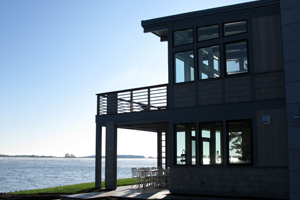 Contemporary_LakeHome_3