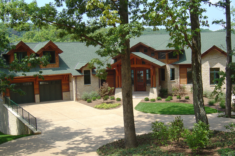 The-Lake-Estate_800x533